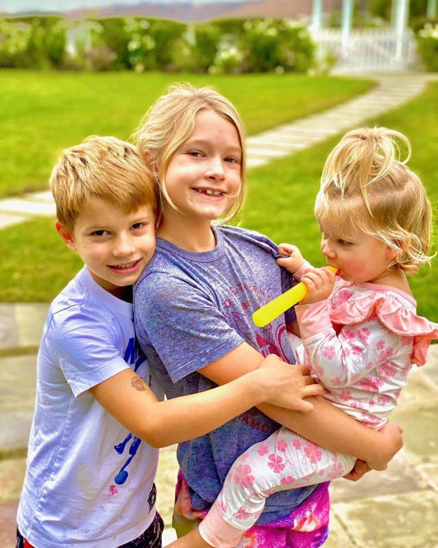 Sweet Sibling Shot Jessica Simpson Youngest Daughter Birdie Album
