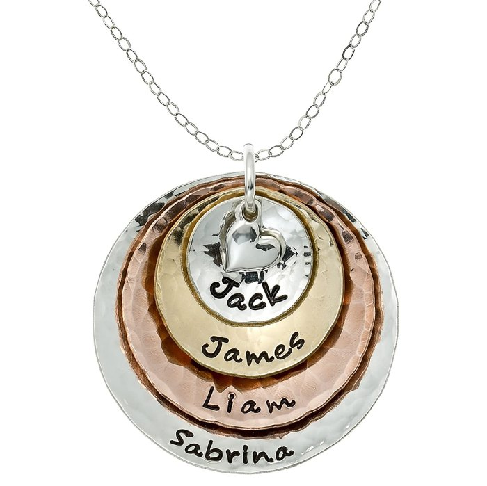 grandma-engraved-necklace-mother-in-law-gifts