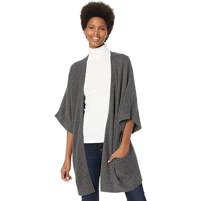 lark-ro-cashmere-cardigan-mother-in-law-gifts