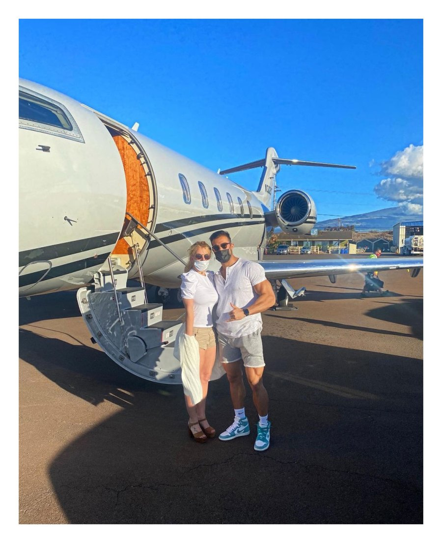 Britney Spears Jets to Hawaii for Early Birthday Trip With Boyfriend Sam Asghari