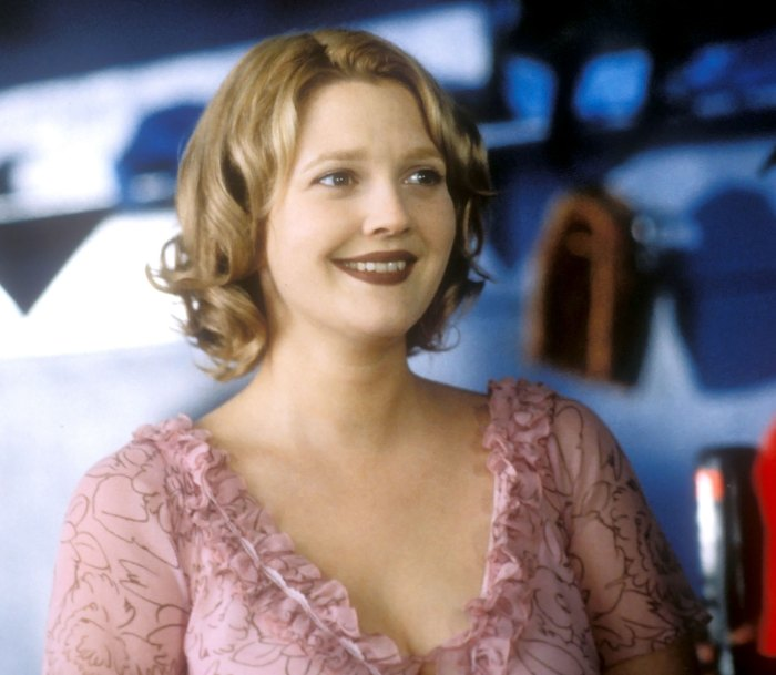 Drew Barrymore vuelve a visitar a Josie Grossie que nunca ha sido besada