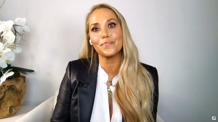 Elizabeth Berkley on Watch What Happens Live With Andy Cohen Has Not Spoken to Dustin Diamond Since Saved By the Bell Wrapped