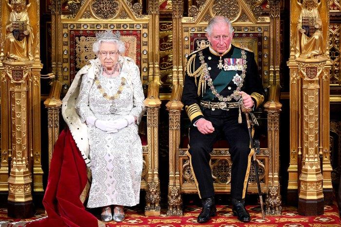 Dentro de los planes del Príncipe Carlos si la Reina Isabel II renuncia