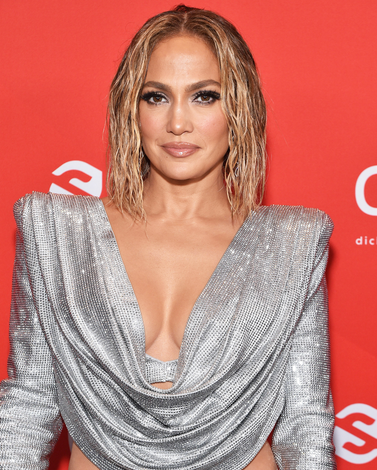 Jennifer Lopez Goes Nude for New Single's Steamy Cover 1