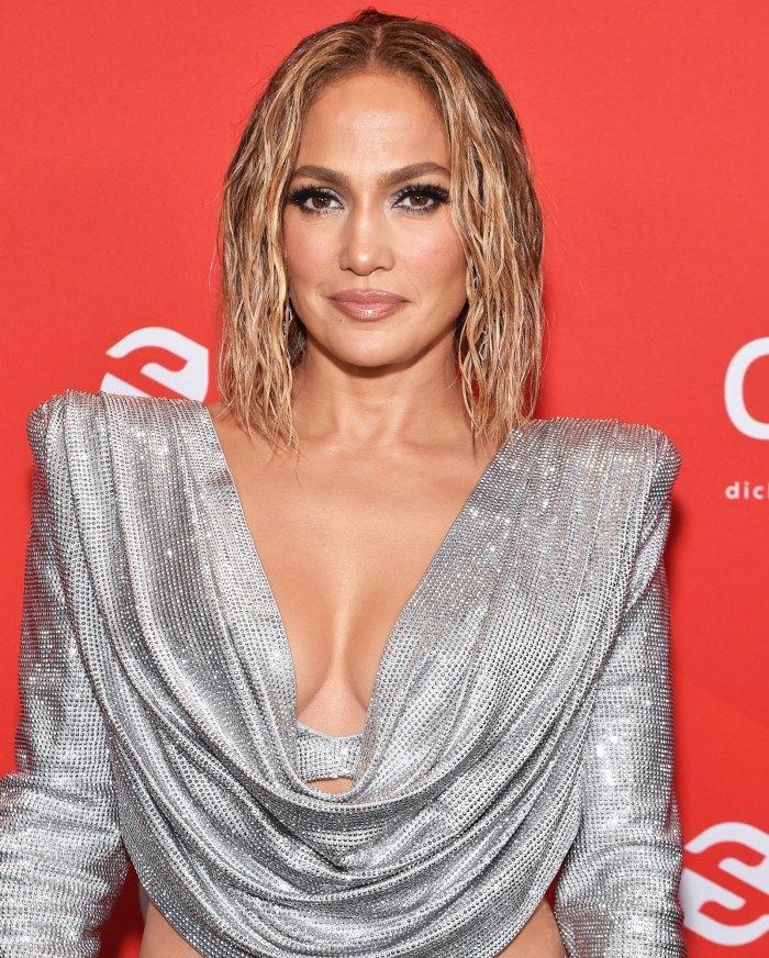 Jennifer Lopez se desnuda para la Steamy Cover 1 del nuevo single