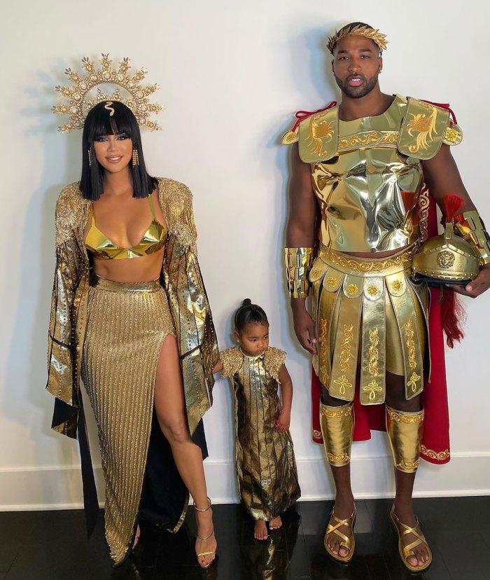 Khloe Kardashian niega los rumores de embarazo después de celebrar Halloween con Tristan Thompson: mira 'My Abs'