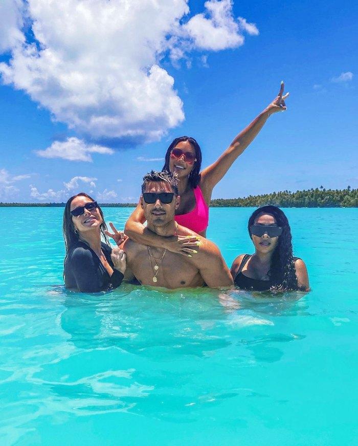 Mary Phillips Chris Appleton Kim Kardashian y La La Anthony La La Anthony defiende la fiesta de cumpleaños número 40 de la isla privada de Kim Kardashian en medio de una reacción violenta