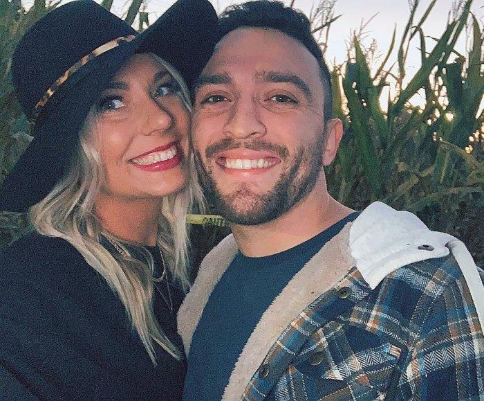 Mark Cuevas de Love Is Blind está comprometido con su novia embarazada Aubrey Rainey: 'Forever Sounds Good'