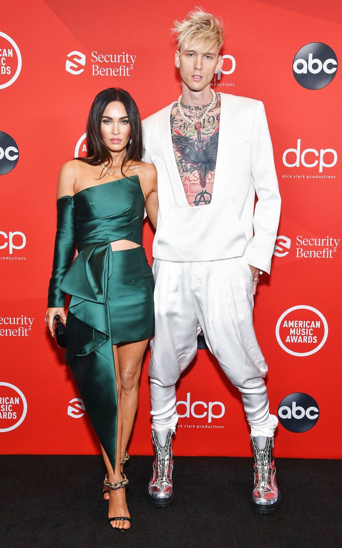 Megan Fox y Machine Gun Kelly debutan en el show de premios en los American Music Awards 2020