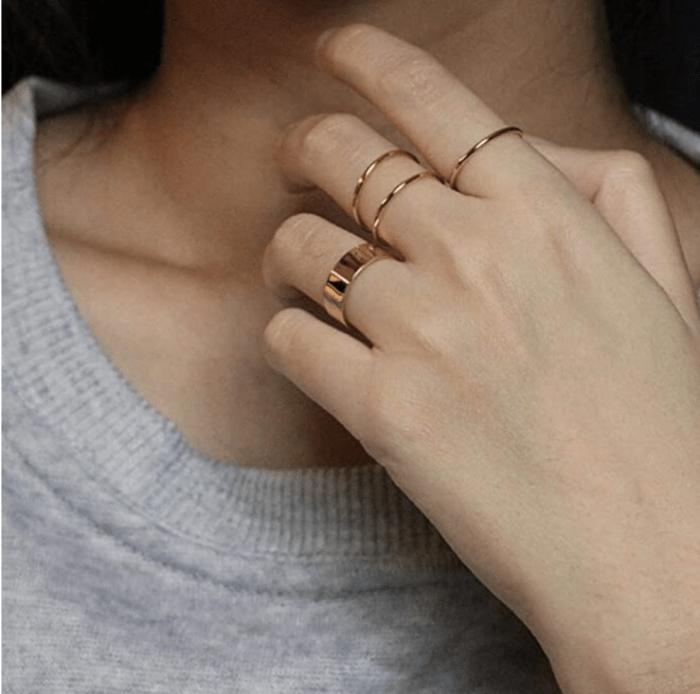 NOKMIT Anillos apilables llenos de oro de 14 quilates de 1 mm para mujer