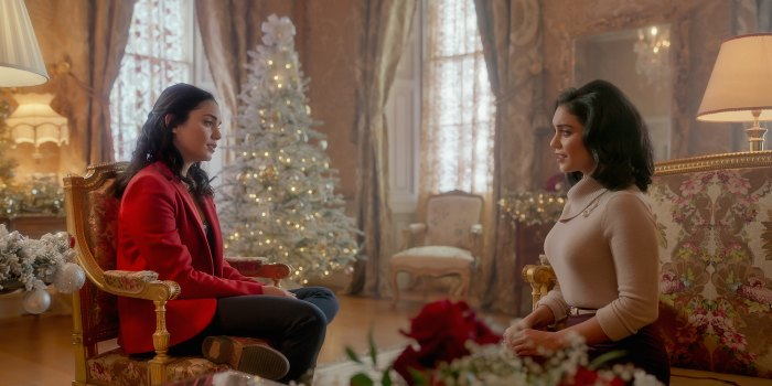 Sam Palladio comparte cómo la secuela de 'The Princess Switch' es un poco más realista que otras películas navideñas