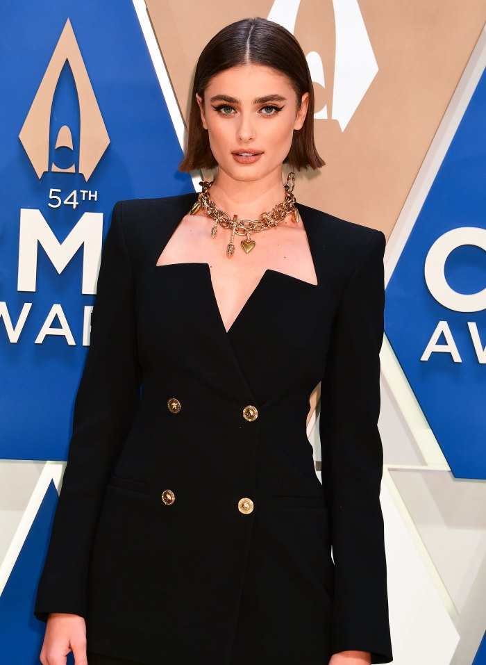 All the Details on Taylor Hill's '90s-Inspired CMA Awards Hairstyle