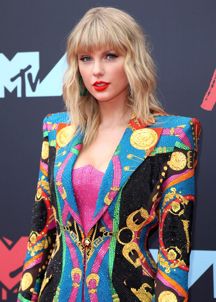 Taylor Swift Reveals Reason She S Made Music Under A Pseudonym