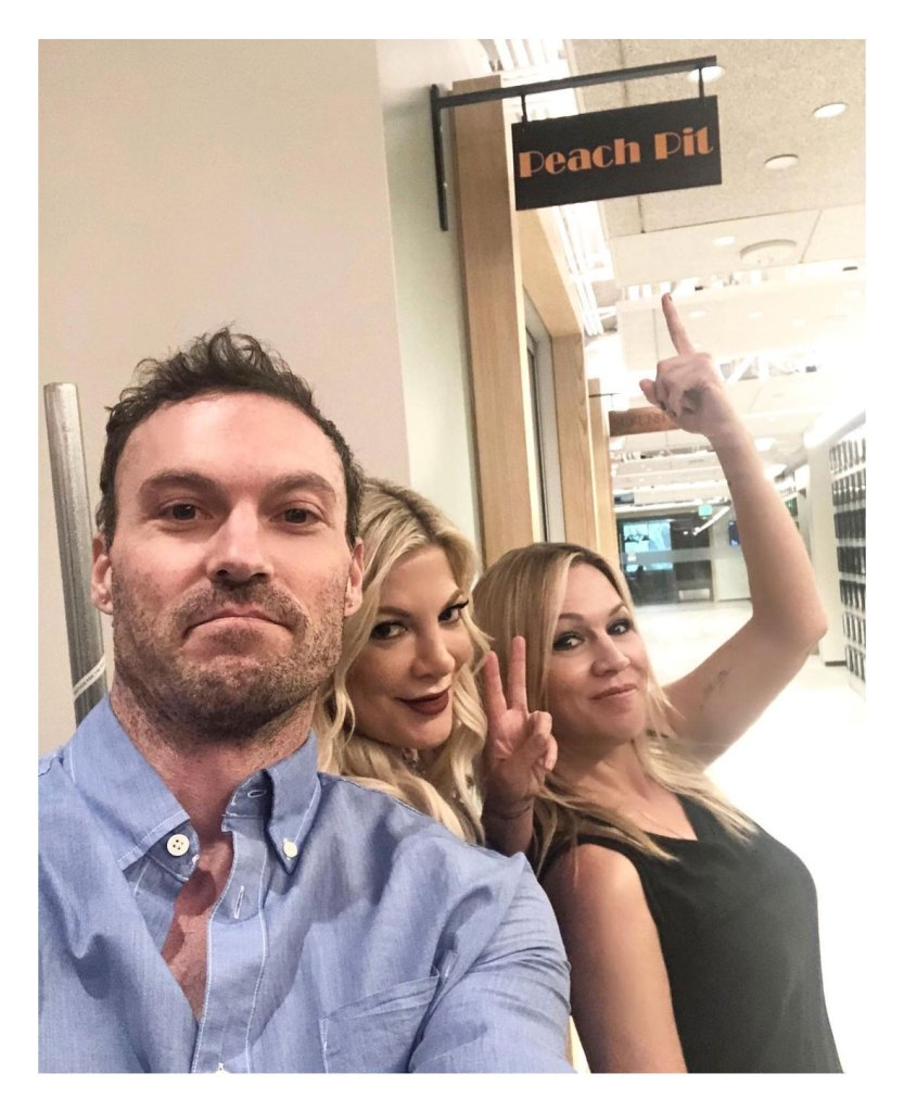 Tori Spelling Praises Brian Austin Green Parenting After Megan Fox Drama Beverly Hills 90210 Jennie Garth