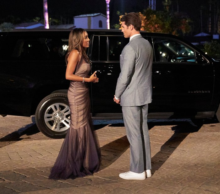 La soltera Tayshia Adams pone a Bennett Jordan en su lugar
