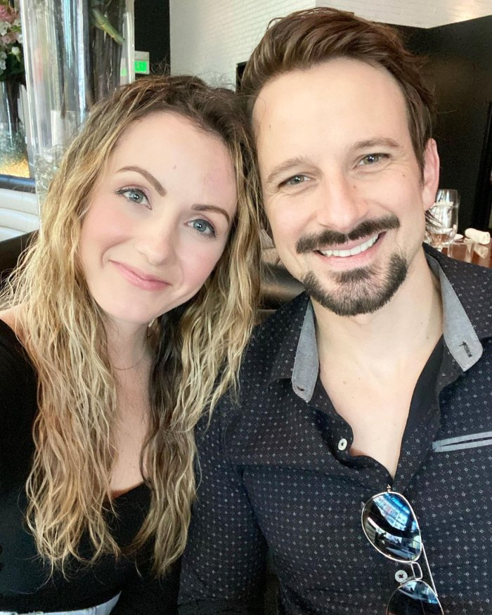 Carly Waddell y Evan Bass se dejaron de seguir en medio de la separación