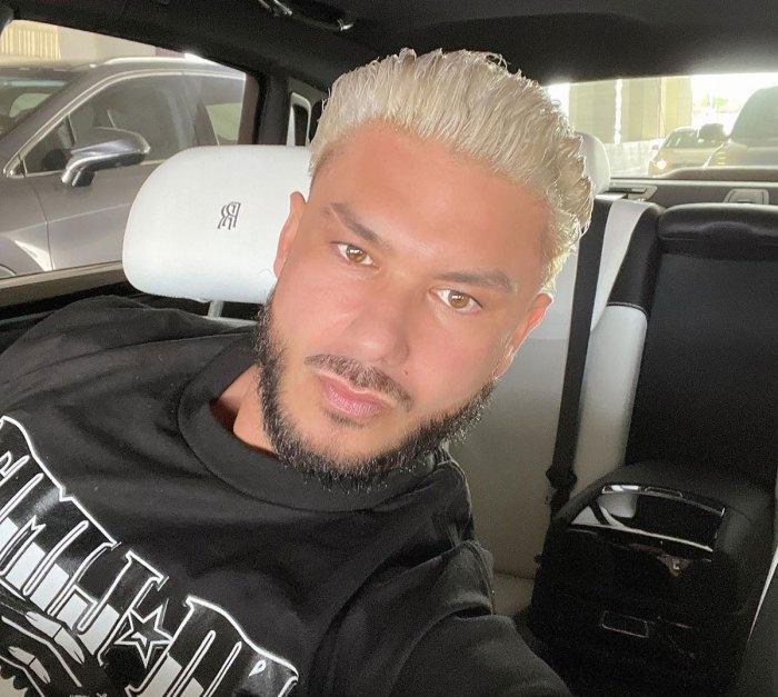 ¡DIOS MIO!  DJ Pauly D estrena cabello platino