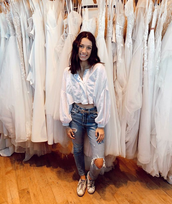 Duck Dynasty's Bella Robertson Shares Pics From Wedding Dress Shopping