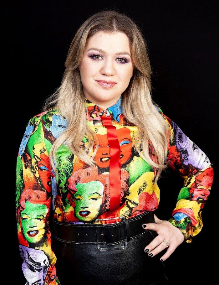 Cómo Kelly Clarkson se lastimó en el set de su programa de entrevistas