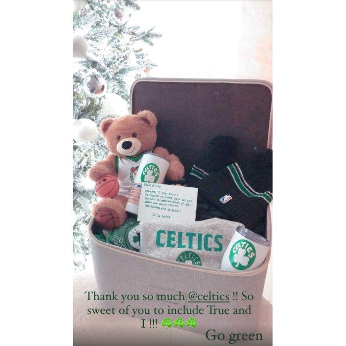 Khloe Kardashian y su hija True reciben obsequios de los Boston Celtics después del intercambio de Tristan Thompson