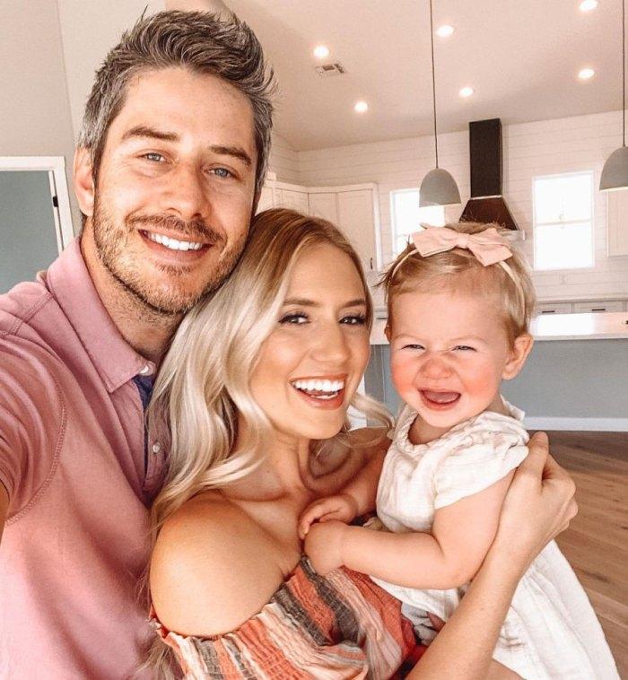 Arie Luyendyk Jr. y Lauren Burnham de Bachelor revelan que están embarazadas con el bebé número 2 después de un aborto espontáneo