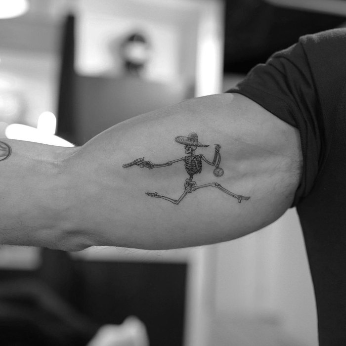 Mark Consuelos Celeb Tattoos Nuevo Esqueleto De Bíceps