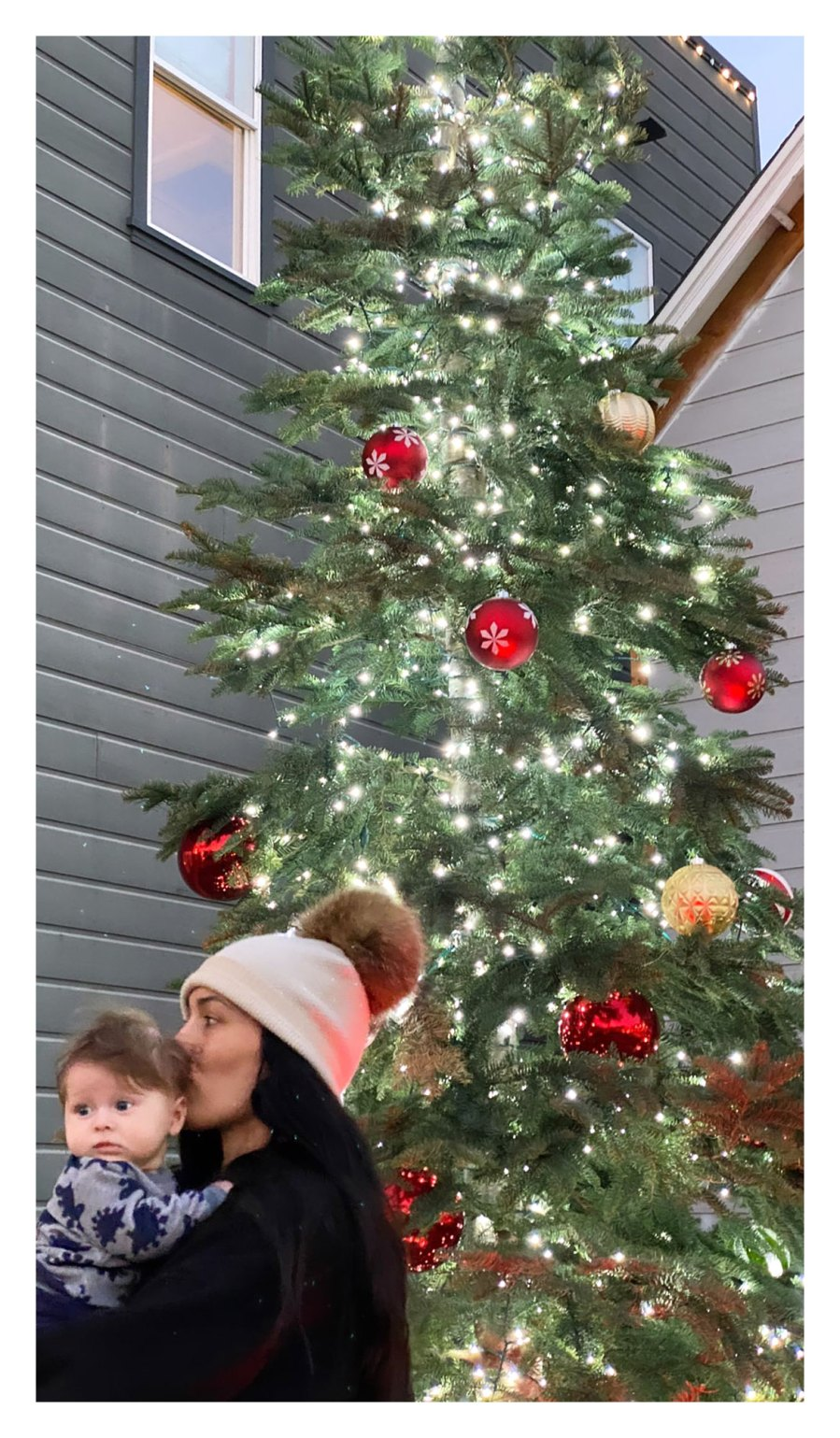 Nikki Bella Matteo Christmas Tree Kiss Head