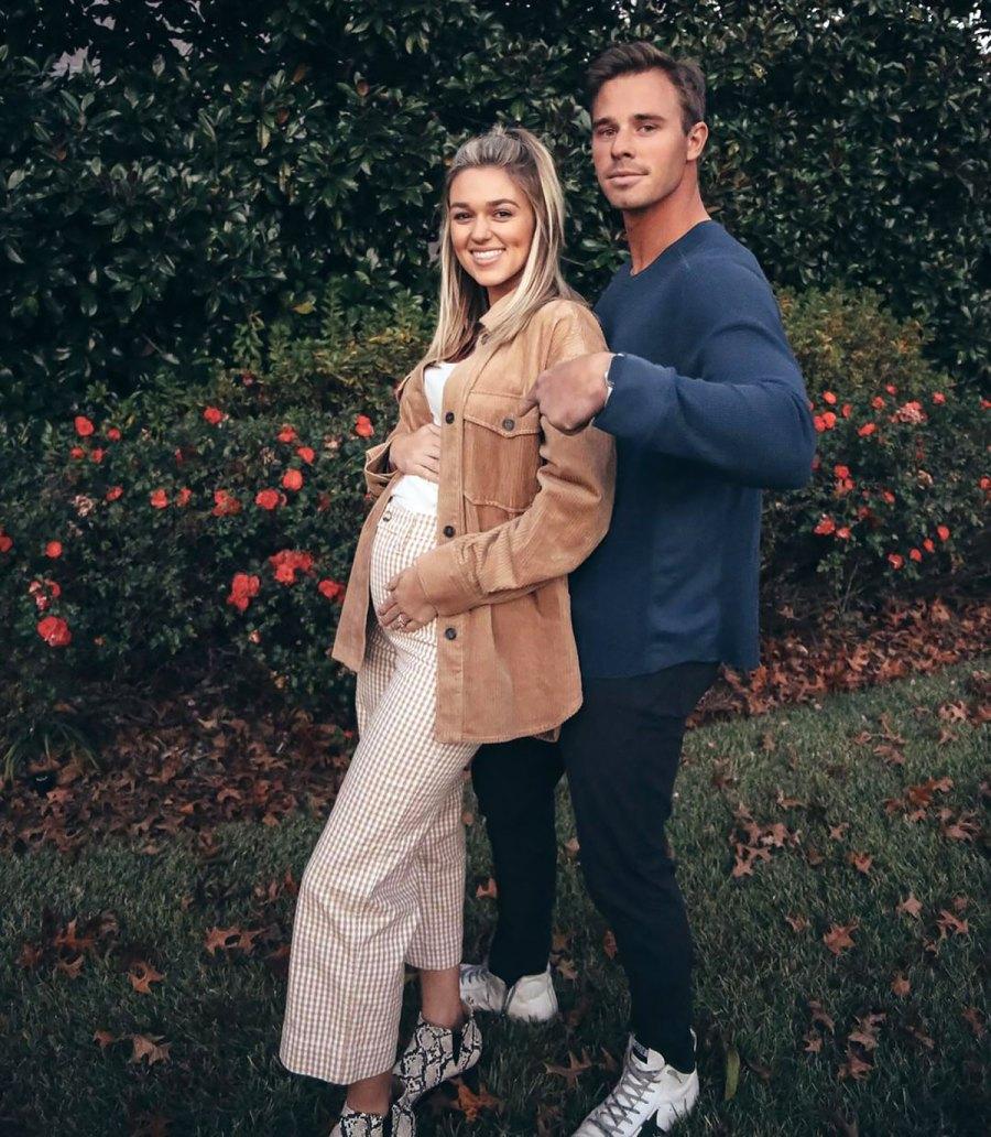 Sadie Robertson's Pregnancy Pics Ahead of 1st Child: Baby Bump Album