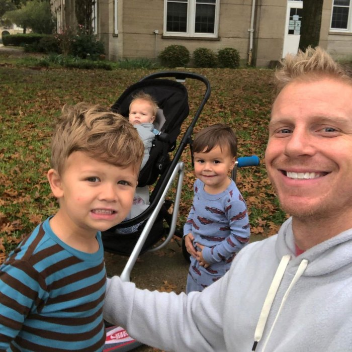 Sean Lowe bromea que sus hijos son trofeos de soltero