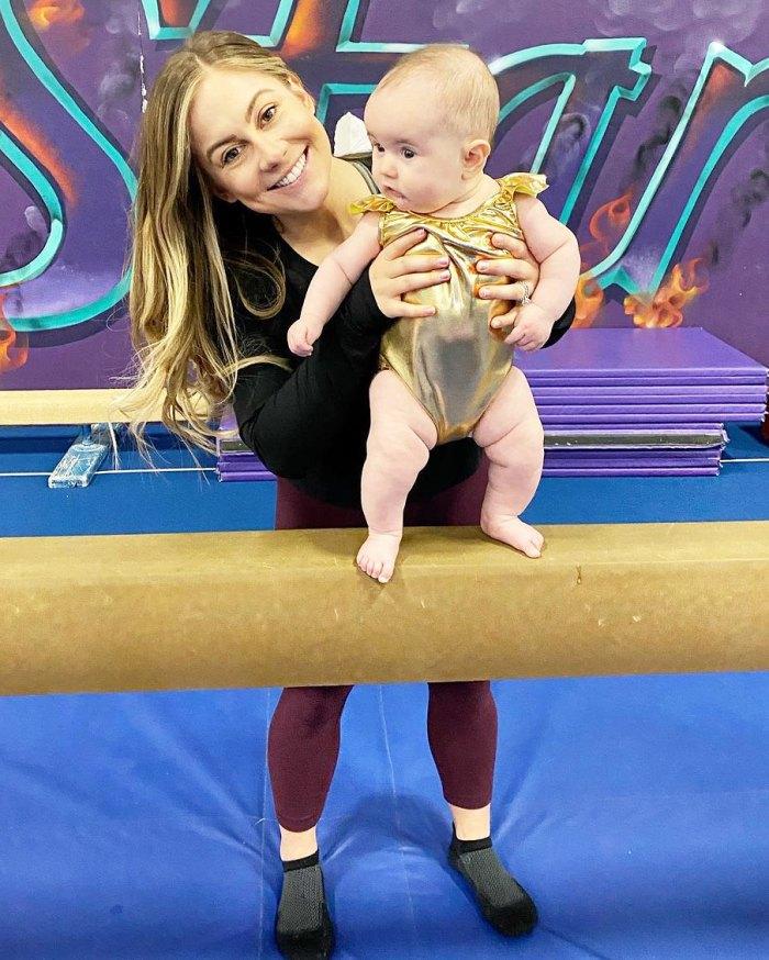 Shawn Johnson East comparte el momento en que se dio cuenta de que estaba siendo una mamá de escenario con su hija Drew