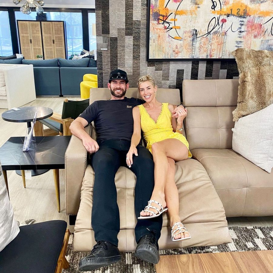 Tarek El Moussa Forgot He Slid Into Heather Rae Youngs DMs While She Was With Her Ex
