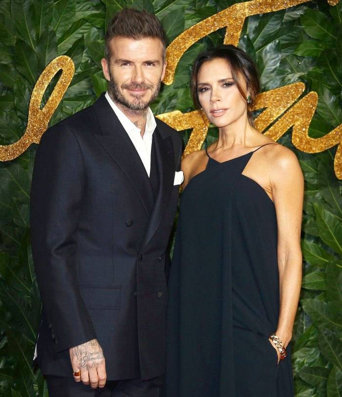 Victoria Beckham Shares Hilarious Behind-the-Scenes Footage From Familys Christmas Card Shoot