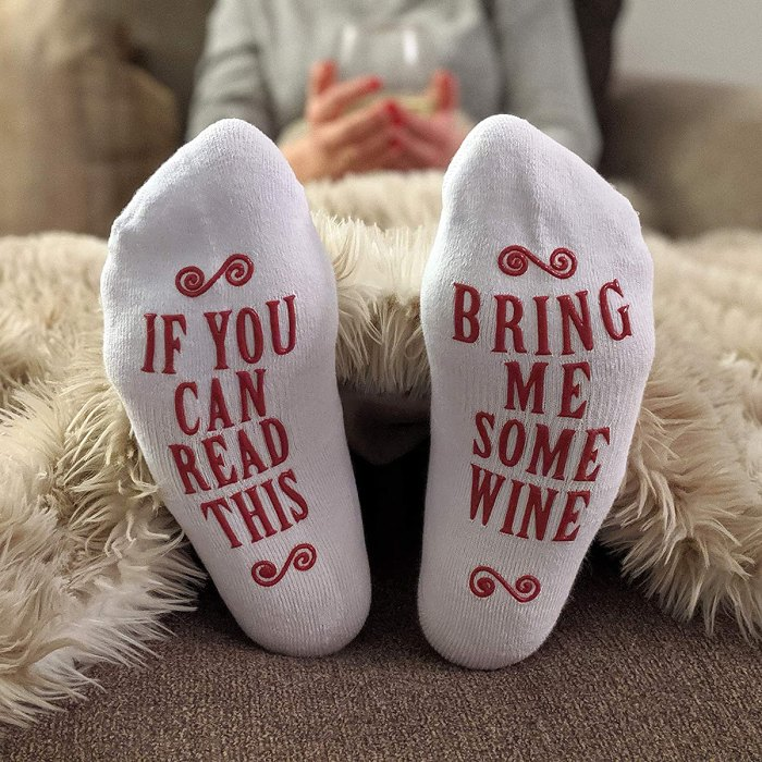 amazon-fast-easy-gifts-wine-calcetines