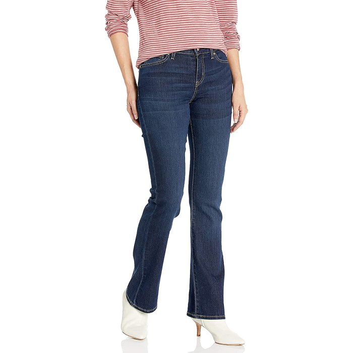 levis-bootcut-mejores-jeans-mujer