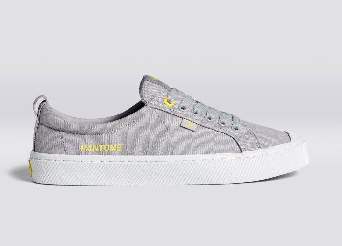 OCA Low Pantone COY 2021 Ultimate Grey Canvas