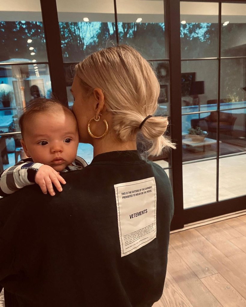 Ashlee Simpson Felt Confused and Guilty Breast-Feeding Son Ziggy