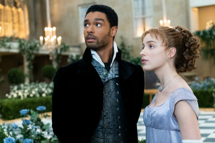 Bridgerton's Phoebe Dynevor and Rege-Jean Page 'Check In With Each Other a Lot' While Awaiting Season 2 News