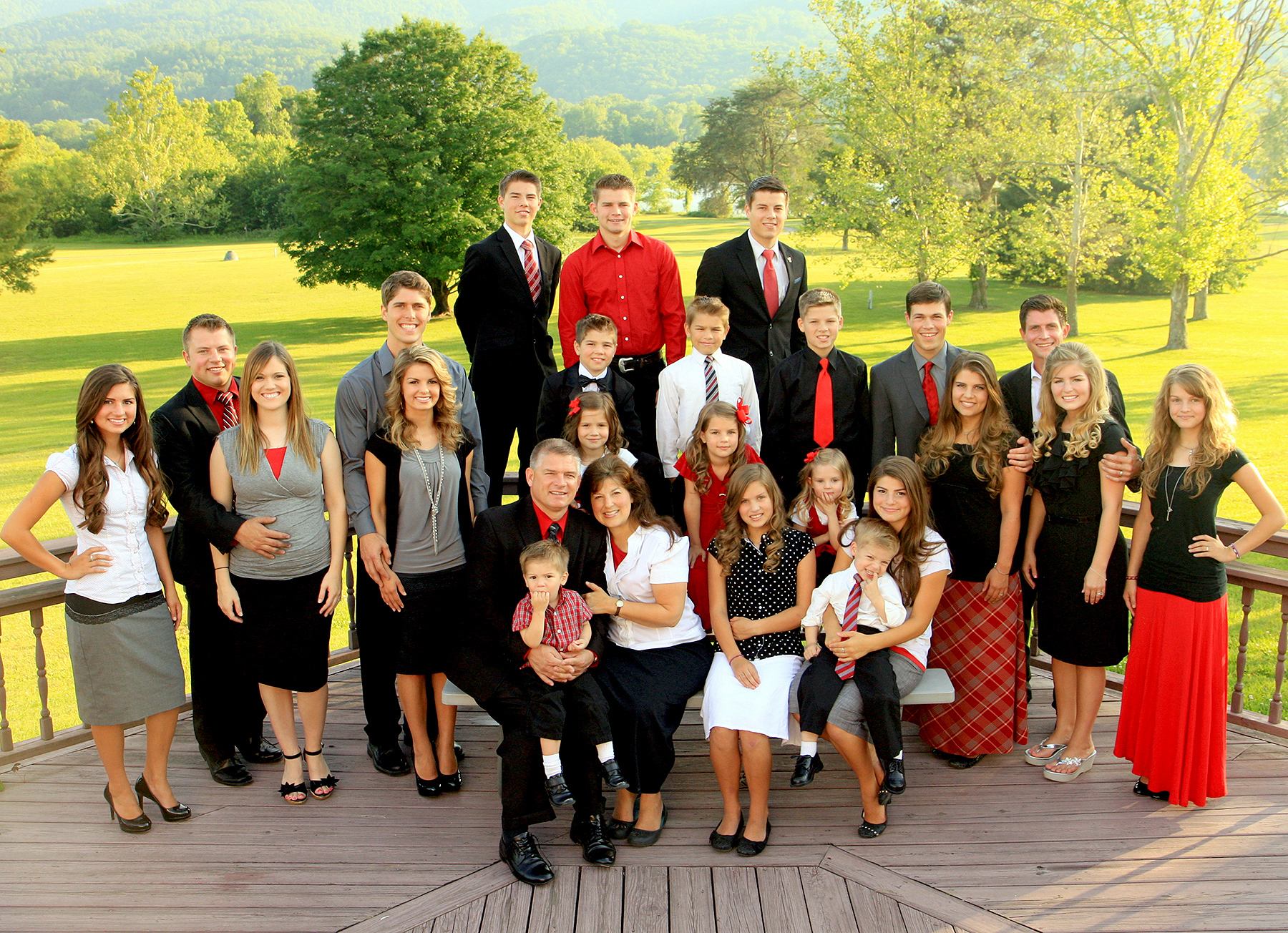 'Bringing Up Bates': A Comprehensive Guide to the Bates Family