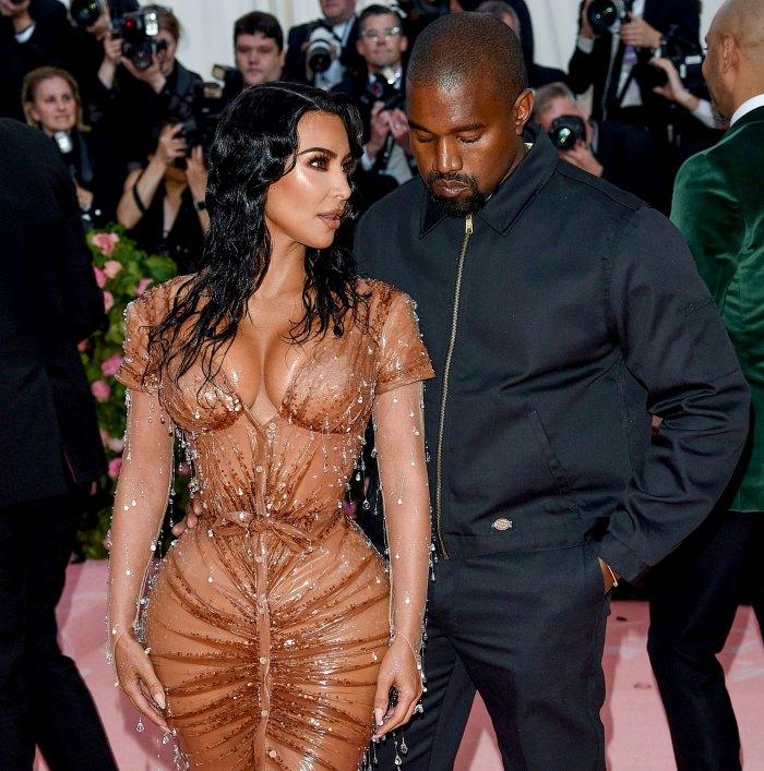 Cómo se sienten realmente las Kardashian sobre los problemas matrimoniales de Kim Kardashian y Kanye West