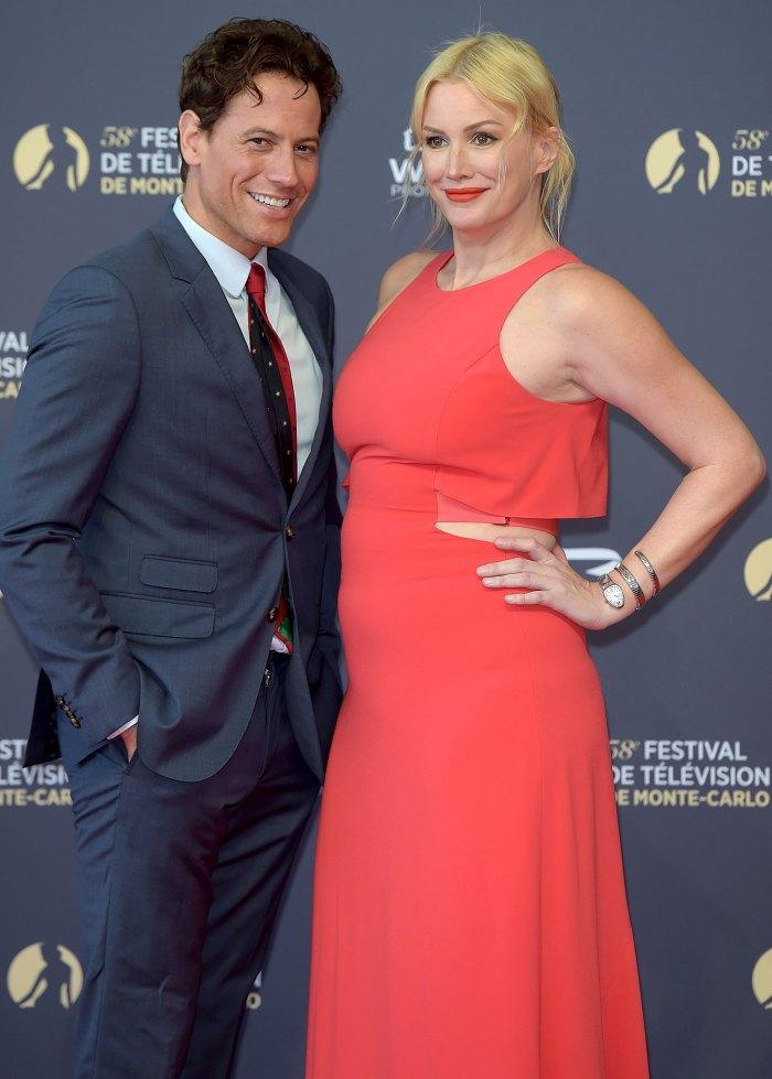 La esposa de Ioan Gruffudd, Alice Evans, afirma que dejó a su familia después de 13 años de matrimonio