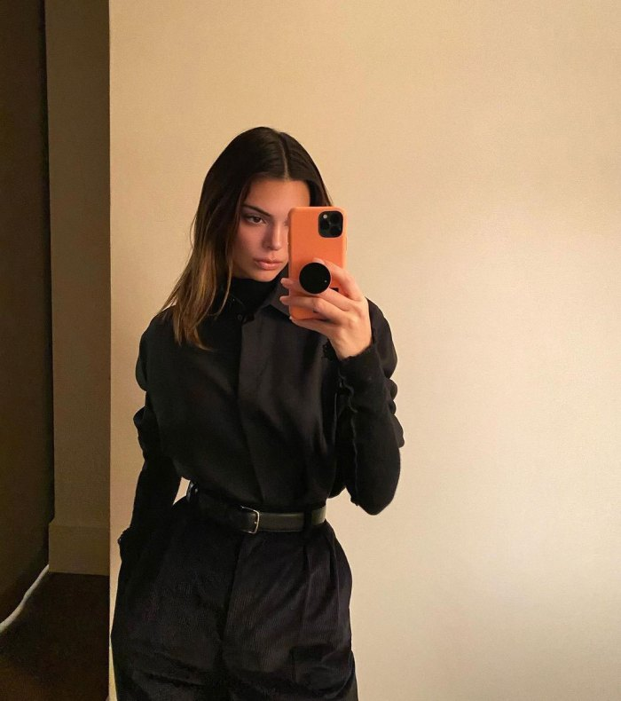 Khloe Kardashian Fans Mistake Her for Sister Kendall Jenner in Workout Selfie