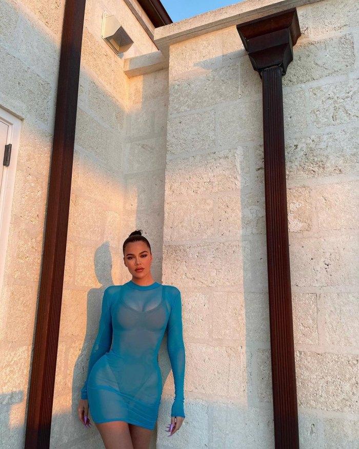 Khloe Kardashian muestra sus estrías en una foto de bikini: 'Amo mis rayas'