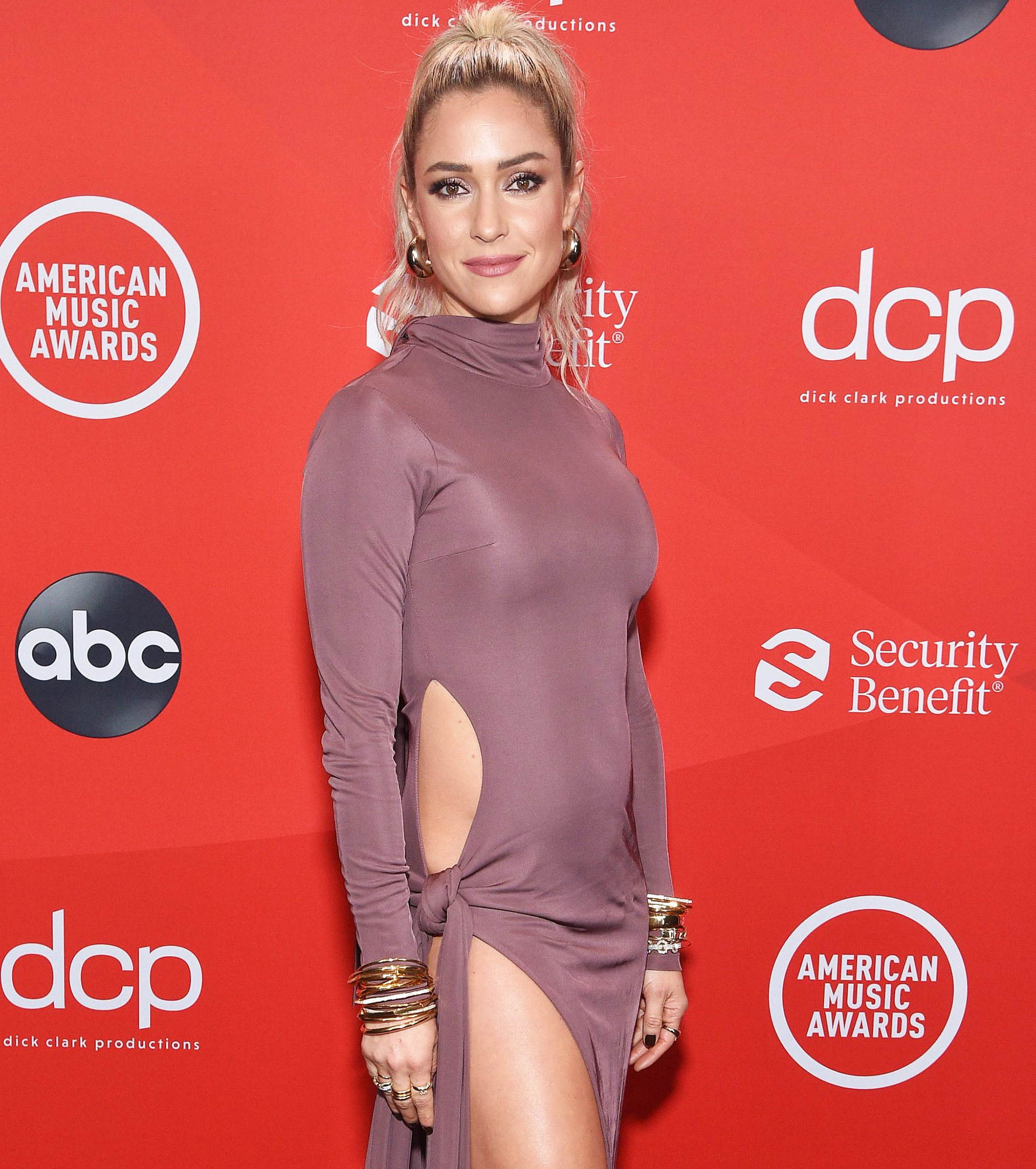 Kristin Cavallari Tells Mom-Shamers to 'Relax' After Dyeing Daughter Saylor's Hair Pink 1