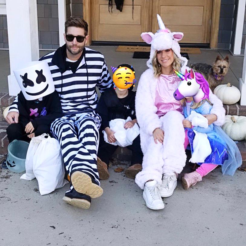 Kristin-Cavallari-and-Jay-Cutler-Reunite-With-Kids-for-Halloween-Amid-Divorce