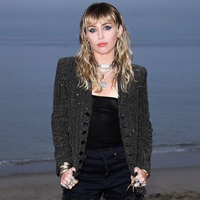 Miley Cyrus llora el ángel de la muerte Dog Mary Jane