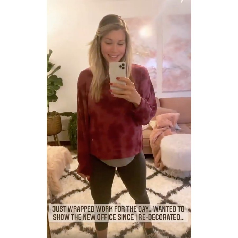 Krystal Nielson Pregnant Celebrities Showing Baby Bumps 2021