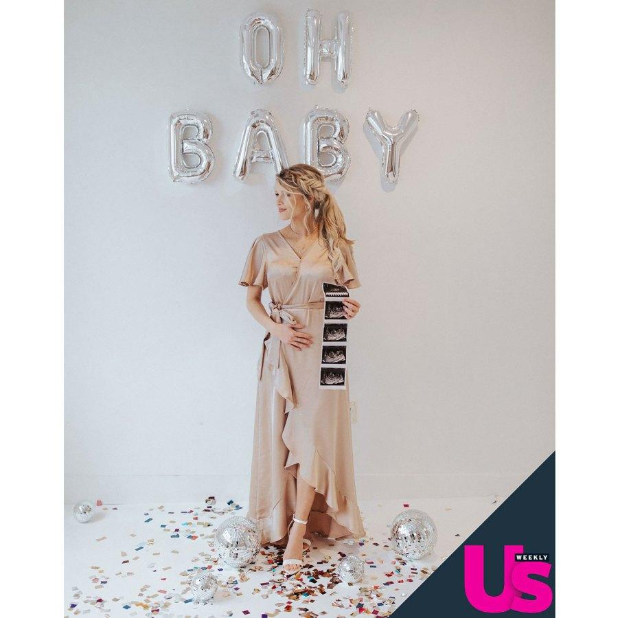 Josie Bates Pregnant Celebrities Showing Baby Bumps 2021