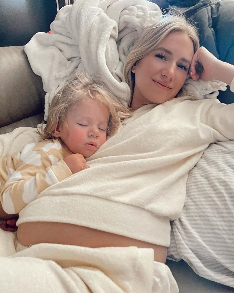 Pregnant Lauren Luyendyk Bares Her Baby Bump While Cuddling Daughter Alessi