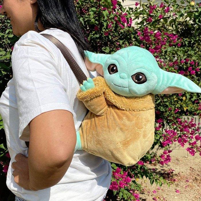 baby-yoda-piggyback-mochila