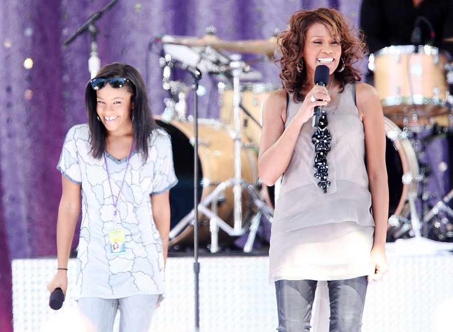 Whitney Houston and Bobbi Kristina Brown Perform on Good Morning America in 2009 Bobbi Kristina Brown Life With Whitney Houston and Bobby Brown